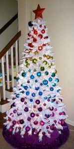 silver-and-white-christmas-tree-13