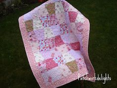 Tumbler quilt tutorial from Patchwork Delights