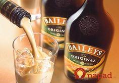 Krémový likér svynikajúcou chuťou. Vyskúšajte aj vy domácu verziu, ktorá má u nás doma väčší úspech ako kupovaný likér zobchodu!  Potrebujeme:  2 plechovky kondenzovaného mlieka    0,5 l whisky alebo rumu    0,5 l mlieka    1 bal. mandľového pudingu  Postup:  Kondenzované mlieko vplechovke necháme