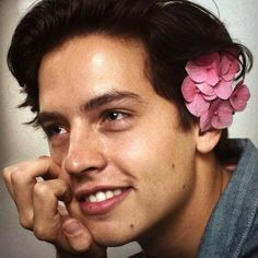 jugheadjones,jughead-I still get him and Dylan mixed up someone help me aha colesprouse jugheadjones jughead sprousetwins riverdale riverdaleedi Cole M Sprouse, Sprouse Bros, Cole Sprouse Jughead, Dylan Sprouse, Zack E Cold, Dylan E Cole, Beautiful Men, Beautiful People, Cole Sprouse Aesthetic