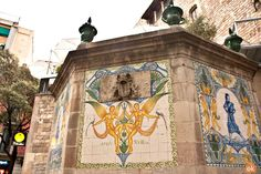 Barcelona is one of the oldest cities on the Iberian peninsula. Discover its past on this medieval route through the stories and legends of the Catalan capital. Barcelona Tourism, Old City, Mount Rushmore, Fountain, Past, Medieval, Old Things, Anna, Painting