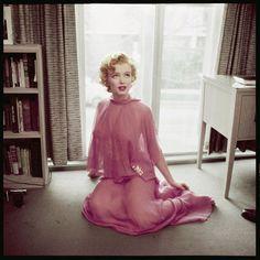 Philippe Halsman, Marilyn's apartment. Hollywood, California, 1952, © Magnum Photos