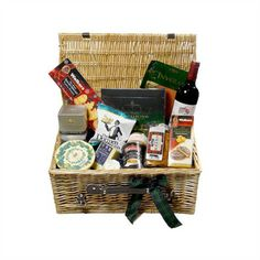 Dunkeld Christmas Hamper: a luxury collection of Scottish salmon, smoked cheeses, Christmas pudding, shortbread and many other Scottish delicacies.