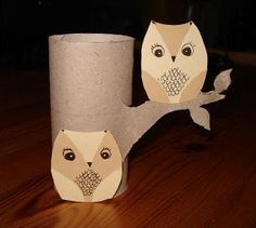 Owls up in the tree (tree- toilet paper roll) Toilet Roll Craft, Toilet Paper Roll Art, Rolled Paper Art, Toilet Paper Roll Crafts, Fall Crafts, Crafts For Kids, Owl Themed Parties, Origami, Recycled Art Projects