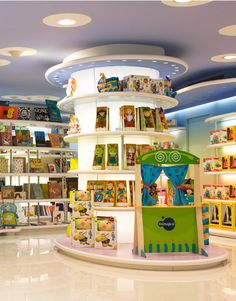 Imaginarium in barcelona - toys in spain Design Shop, Shop Front Design, Shop Interior Design, Kids Store, Toy Store, Visual Merchandising, Design Commercial, Toy Display, Retail Store Design