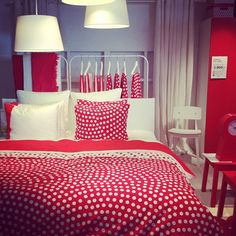 Home Decoration Accessories Ltd Info: 3555389988 Bedroom Red, Bed Decor, Simple Bed, Bedroom Design, Luxurious Bedrooms, Simple Bedroom Design, Simple Bedroom, Luxury Bedding, Red Rooms