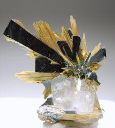 Rutile and Hematite   on Quartz