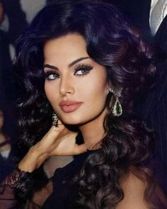 Lovely Eyes, Most Beautiful Faces, Beautiful Lips, Beautiful Person, Gorgeous Women, Love Hair, Big Hair, Sophia Loren, Brunette Beauty