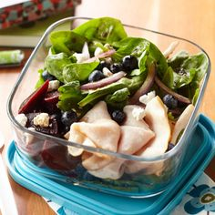 Turkey Spinach Salad with Beets Prep this easy lunch salad ahead of time and grab it on your way out of the door. Simply top a bed of fresh spinach with beets and blueberries, then add a small pile of lunch meat on the side for protein.