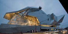 Coop Himmelb(l)au's Musée des Confluences opens in Lyon Architecture Paramétrique, Beautiful Architecture, Contemporary Architecture, Unusual Buildings, Interesting Buildings, Modern Buildings, Rem Koolhaas, Kengo Kuma, High Rise Building