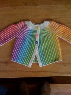 Great use of color changing yarn! Drops Design, free pattern