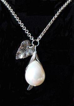 Bridal pendant, Perl pendant, natural perl