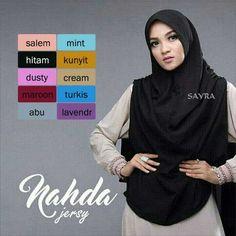 Hijab Syar'i Khimar Nahda Model Kekinian 2017 Terbaru dengan pet antem tanpa busa dan variasi rempel di ujung jilbab. Ukuran : Panjang depan (dari dagu)