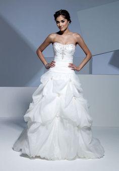 pretty a-line natural waist wedding dress