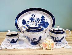 Gorgeous Antique Blue Willow Tea Set by Craftsman Ironstone Japan Vintage Box, Vintage Silver, Retro Vintage, Antique Tea Sets, Chip And Dip Bowl, Serving Platters, Trinket Boxes, Fleas, Teapot