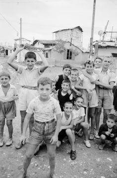 Δουργούτι, 1955. © ETH-Bibliothek Zürich, Bildarchiv / Gerber, Hans Athens Greece, Greek, Wrestling, Couple Photos, Couples, Lucha Libre, Couple Shots, Couple Photography, Couple