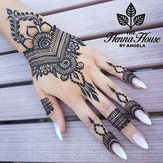 Hi everyone , welcome to worlds best mehndi and fashion channel Zainy Art . Hope You guys are liking my daily update of Mehndi Designs for Hands & Legs Nail . Pretty Henna Designs, Back Hand Mehndi Designs, Henna Designs Easy, Mehndi Design Images, Mehndi Art Designs, Easy Henna, Unique Henna, Ankle Henna Designs, Easy Mehendi