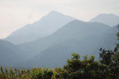 菰野町千草地区 御在所岳を望む    平成24年10月27日撮影