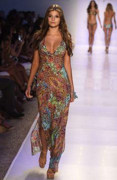 LULIFAMA Tornasol Maxi Dress SHOP AT www.rosatocollections.com www.facebook.com/rosatocollectionsonline