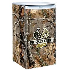 Camouflage Counter Height Fridge - The Camouflage Counter Height Fridge holds 84 canned beverages. Features auto cycle, defrost, freezer and sliding shelves. Camo Furniture, Furniture Nyc, Cheap Furniture, Furniture Ideas, Camo Home Decor, Camo Rooms, Camo Truck, Country Girl Life, Sliding Shelves