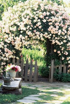 You don't need to own a cottage to be inspired by these charming garden ideas. The addition of an arbor will instantly transform your garden into a romantic escape, not to mention its a beautiful place to showcase climbing flowers and vines. Beautiful Gardens, Beautiful Flowers, Beautiful House With Garden, Romantic Backyard, Rustic Backyard, Large Backyard, Climbing Flowers, Climbing Hydrangea, Cottage Garden Design