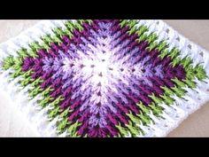 Excellent Photographs granny square videos Suggestions Mosaico de Crochê Passo a Passo: crochet Square Motifs Granny Square, Granny Square Crochet Pattern, Crochet Blocks, Crochet Stitches Patterns, Knitting Patterns, Crochet Squares Afghan, Crochet Home, Crochet Crafts, Free Crochet