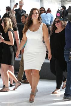A Week in Her Style: Ashley Graham - College Fashion Modelo Ashley Graham, Ashley Graham Model, Ashley Graham Outfits, Ashley Graham Style, Looks Plus Size, Look Plus, Plus Size Model, Curvy Women Fashion, Plus Size Fashion