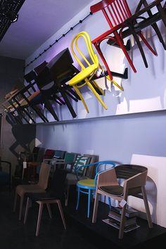 Showroom | Esencja Design - krzesła TON