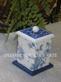 Shabby Chic Boxes, Vintage Shabby Chic, Decoupage Box, Decoupage Vintage, Ceramic Boxes, Wooden Boxes, Tole Painting, Painting On Wood, Painted Boxes
