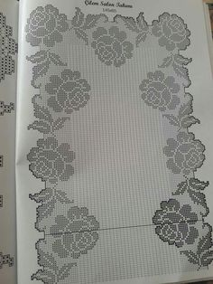 This Pin was discovered by Zub Crochet Diagram, Crochet Chart, Filet Crochet, Crochet Doilies, Crochet Lace, Crochet Stitches, Crochet Patterns, Mosaic Pictures, Crochet Table Runner