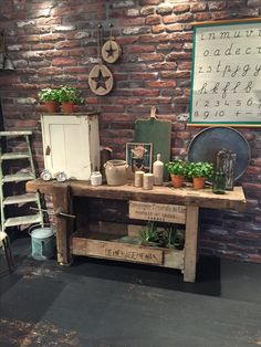 Houten werkbank French Vintage, Colours, Table, Furniture, Home Decor, Decoration Home, Room Decor, Tables, Home Furnishings
