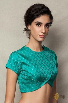 Beautiful Banarasi Saree Blouse designs by Tilfi Lengha Blouse Designs, Stylish Blouse Design, Fancy Blouse Designs, Blouse Patterns, Skirt Patterns, Coat Patterns, Clothes Patterns, Sewing Patterns, Blouse Models