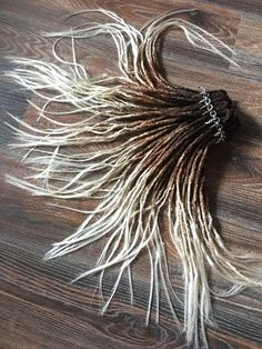 Synthetic dreadlocks - double ended or single ended dreads. Dread extensions OMBRE black to brown to blonde Blonde Dreadlocks, Faux Dreads, Crochet Dreadlocks, Wool Dreads, Synthetic Dreadlocks, Dreads Girl, Synthetic Hair, Extensions Ombre, Dreadlock Extensions