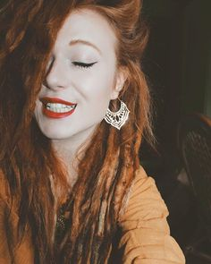 My @suaisuai earrings make me all smilin' ✨ #bohemian #redhead #dreadlocks #hippie