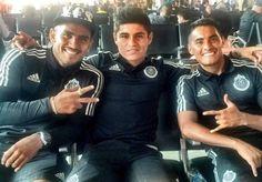 CHIVAS INICIA GIRA EN ESTADOS UNIDOS Se enfrentarán al Atlas el próximo 25 de junio. Buscan ganarle al Veracruz en el partido de la Súper Copa.