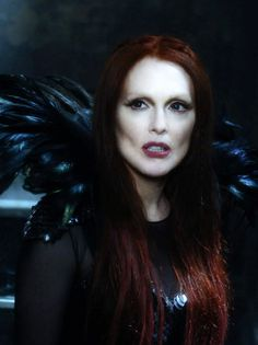 Julianne Moore pictures from the seventh son