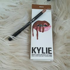 Dolce k Lip Liner Only Lip liner only. Interesting thing happened to me, I ordered dolce k, candy k, and kourt k. I recieved candy k and kourt k fine then dolce k had the lip liner in there with another candy k gloss. Anyone else have something like this happen? I was too lazy to contact customer service and kinda happy I got another candy k gloss (my favorite) Lip liner was NEVER used. Kylie Cosmetics Makeup Lip Liner