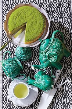 Love the color, whimsy, and global representation of this set.   Losin Teapot & matching wares from #Anthropologie.