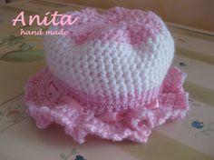 La foto della settimana: il cappellino in lana per bambina