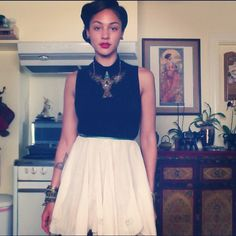 Neo-Soul Songstress Mara Hruby. Flawless A Line Skirts, Mini Skirts, Looks Style, My Style, Neo Soul, Basic Tops, Fashion Beauty, Womens Fashion, Vintage Bohemian