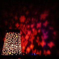 Tanze in der Dunkelheit und du beginnst mit deinem Herzen zu sehen.  Unser gestriges Licht im Freien Tanzen mit Herz beleuchtet den Raum. Während dem Tanzen nur für mich sichtbar, da alle Teilnehmer*innen eine Augenbinde tragen. Table Lamp, Lighting, Home Decor, Dance, Outdoor, Darkness, Heart, Lamp Table, Decoration Home