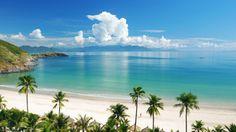 La paz comienza con una sonrisa (Madre Teresa de Calcuta). Así que ya sabes qué toca... sonreír!  #playa #beach #palmeras #palms #tropical #verano #summer #arena #sand #nubes #clouds #paisaje #seascape #sonrisa #smile #paz #peace