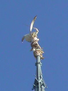 Estatua del Arcangel San Miguel Mont de Saint Michel-Normandie