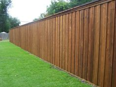Board on Board Fence www.TexasBestFenc Board on Board Fence www. Front Yard Fence, Diy Fence, Backyard Fences, Fenced In Yard, Backyard Landscaping, Fence Ideas, Garden Fencing, Yard Ideas, Wood Fence Design