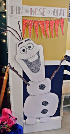 "Pin the Nose on Olaf sign to make but say "" hi I'm Olaf, I've always wanted a nose""...HAVE EACH OF THE GUEST HOLD A NOSE IN THIS PHOTO SCENE"