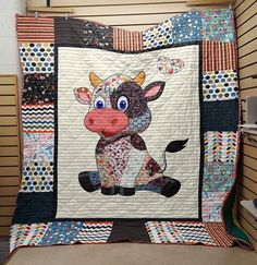 Cute Baby Cow Little Floral Motifs Quilt Blanket Farm Animal Quilt, Farm Quilt, Happy Cow, Baby Cows, Baby Elephants, Baby Quilt Patterns, Cute Cows, Boy Quilts, Quilt Baby