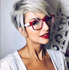 Love this whole look...red glasses, red lip.