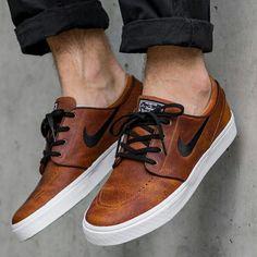 Найковские кроссовки