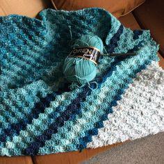 #yeni  #bitanesin  #tasarım  #deniz  #dalga #bebek  #battaniye  #mavi  #ebruli #yün  #tığişi  #elemeği  #yarn  #tig  #handmade  #color  #blanket  #crochet  #creative  #crocheart  #crocheting  #crochetlove  #crochetlover  #crochetblanket  #crochetaddict  #crochetbaby  by ninidi23