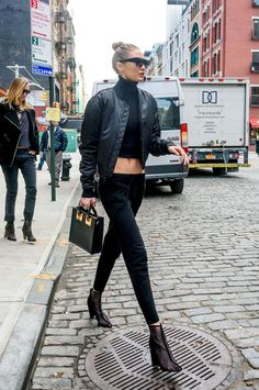230+ Best Gigi Hadid Clothes & Outfits Street Style 2017 Inspirations https://montenr.com/230-best-gigi-hadid-clothes-outfits-street-style-2017-inspirations/